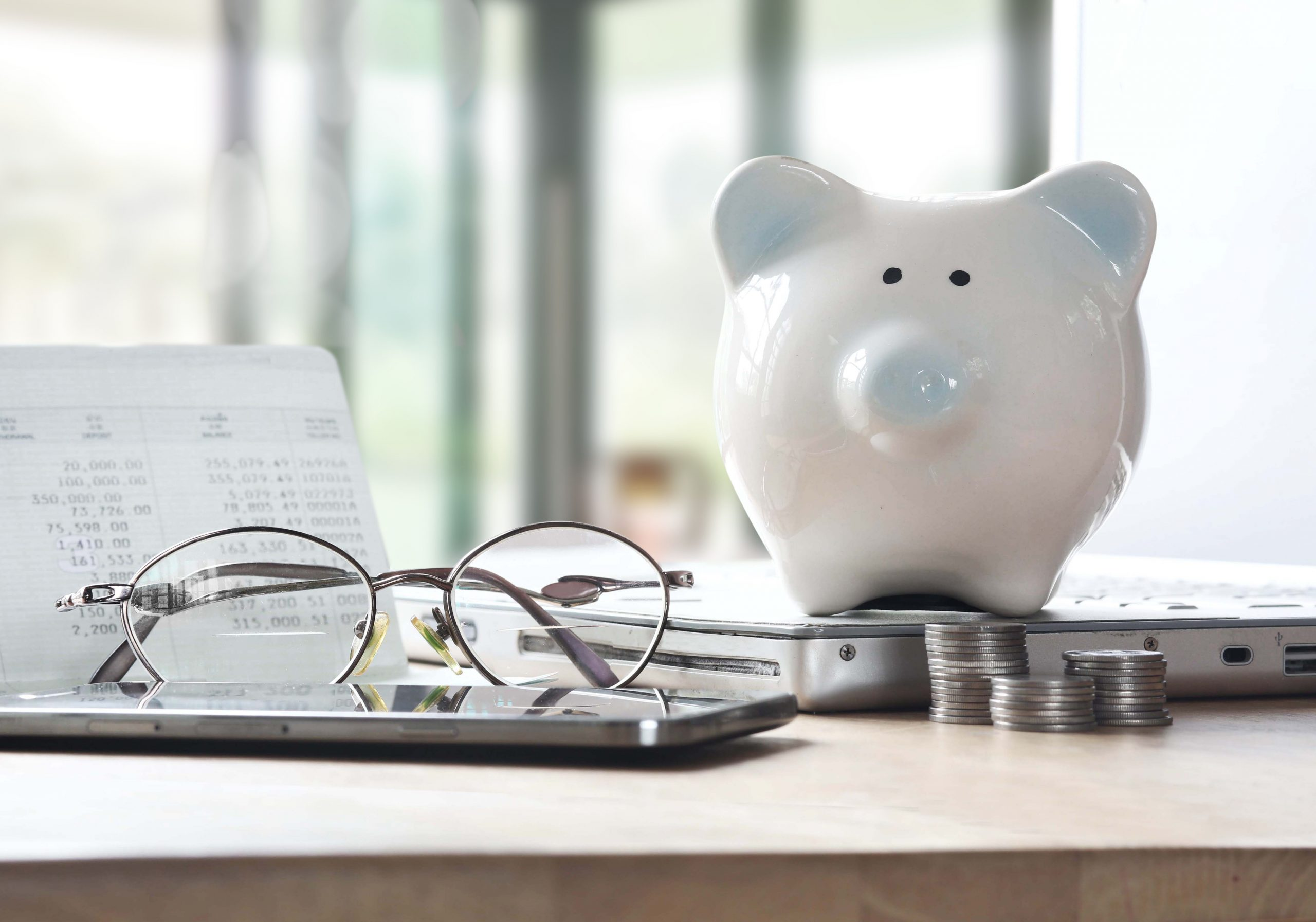 新婚夫婦みんないくらくらい貯めている?月々の貯蓄額の目安は?