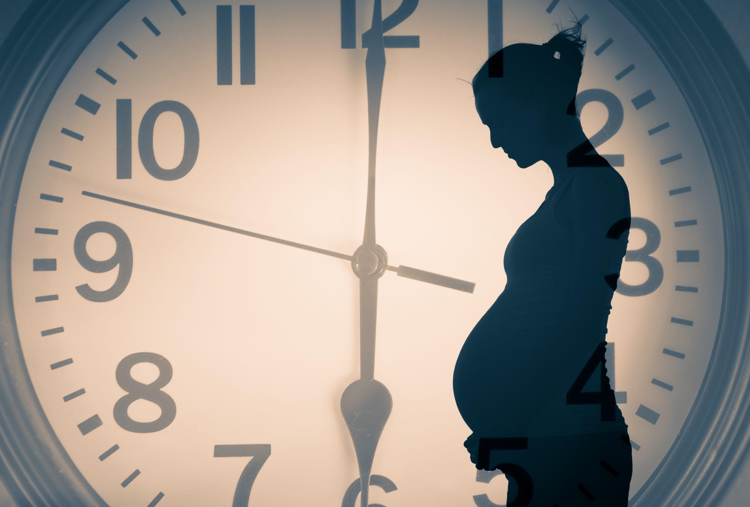 出産年齢の限界は?体とお金のリスクを知っておこう