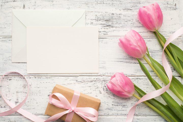 出産祝いのメッセージを書こう!喜んでもらえるコツと例文集