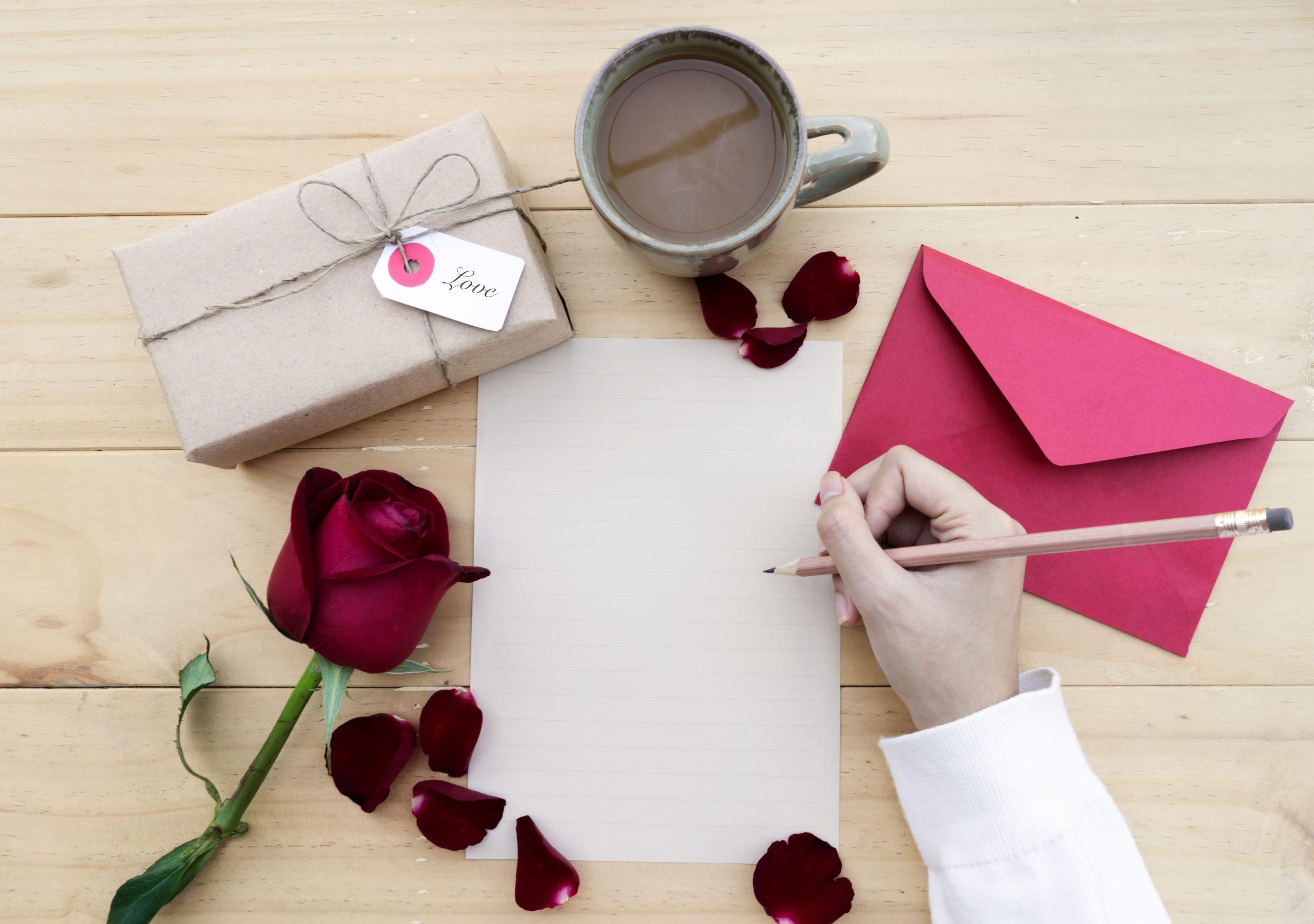 【文例有】伝わる結婚祝いのメッセージを書こう!
