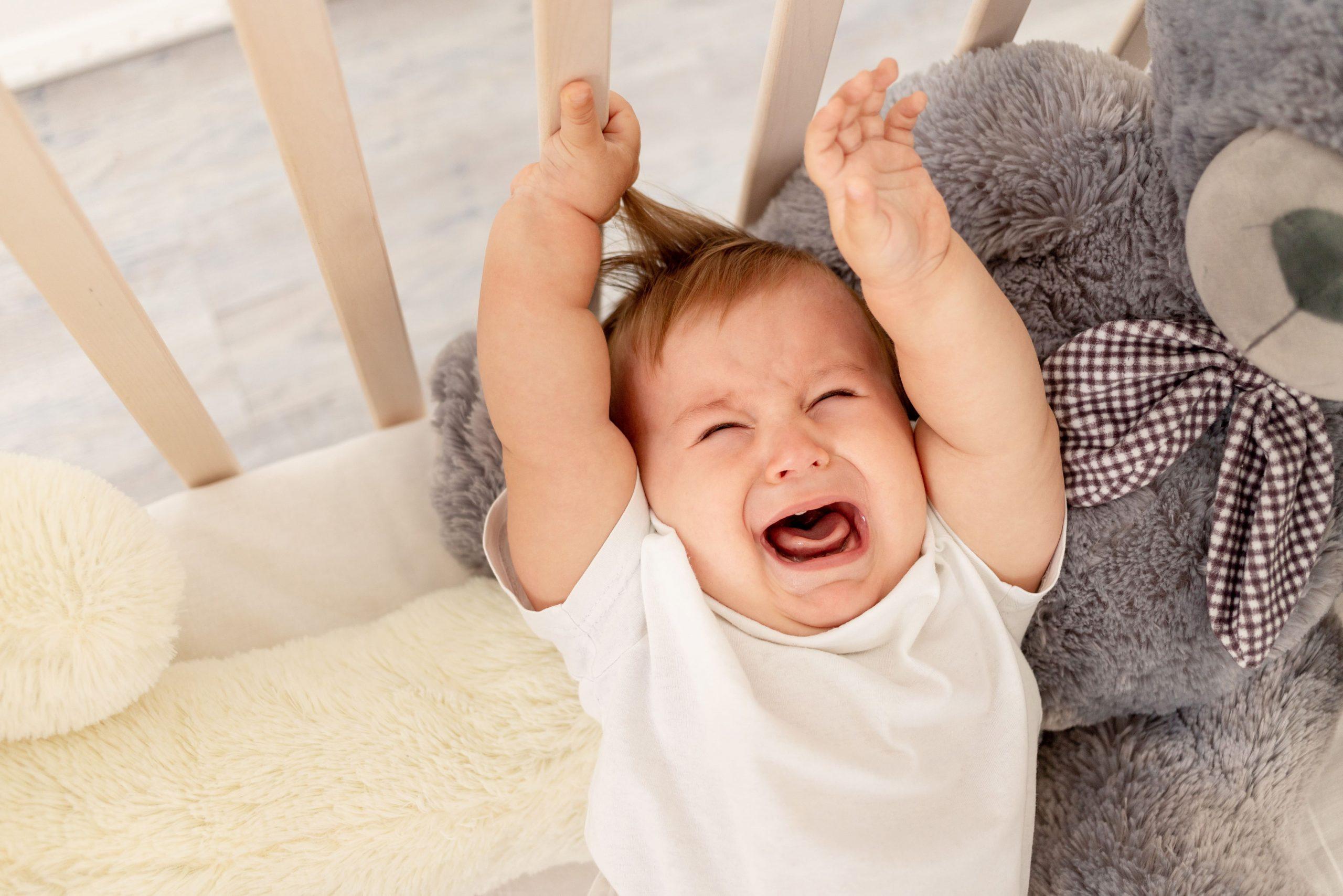 赤ちゃんが泣き止まない…おすすめの泣き止む方法とは?